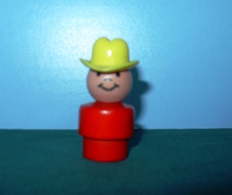 VINTAGE FISHER PRICE LITTLE PEOPLE #192 ALL WOOD RED COWBOY! - $10.00