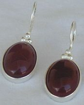 Red agate oval 1 thumb200