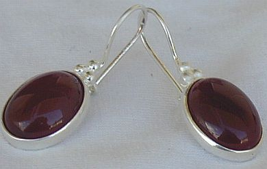 Red agate oval earrings