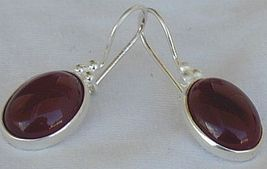 Red agate oval 2 thumb200