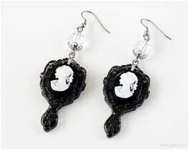 Victorian Lady Cameo Earrings in Black, Gothic Fashion, Goth Jewelry, Jfashion - $14.00