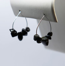 Obsidian Chip Bead Teardrop Hoop Earrings - €12,23 EUR