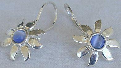 Mini blue flower earrings