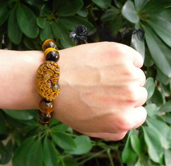 Free Shipping -  Handcrafted Grade AAA Natural Tiger eye stone '' PI YAO '' char