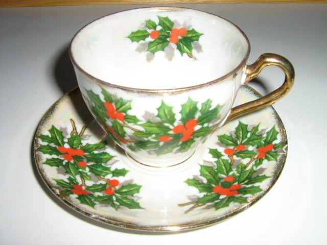 Ucagco China Christmas Cup & Saucer - Holly Leaves, Berries, Multicolored Luster