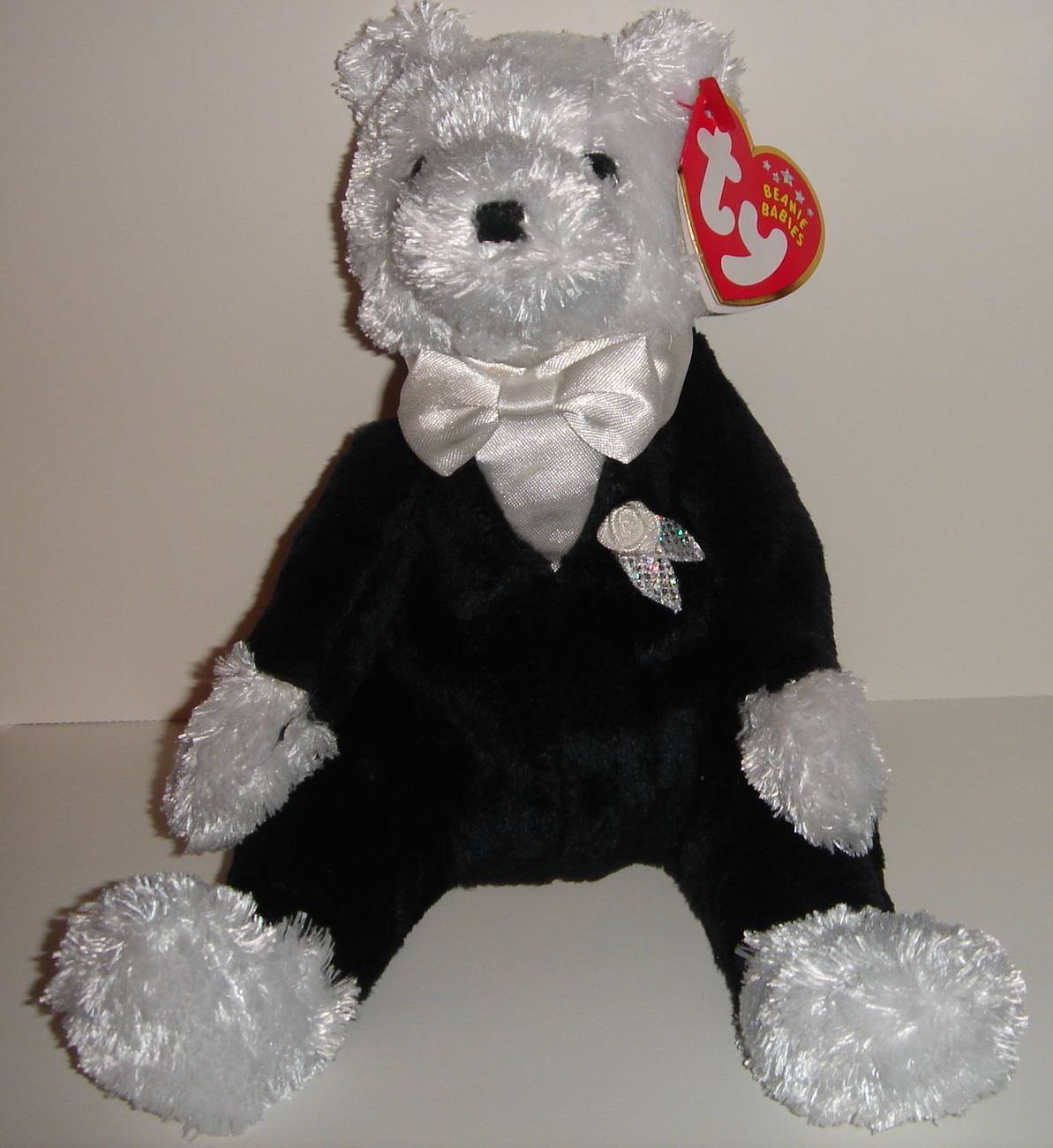 Retired Ty Beanie Baby ~ Groom the Bear ~ MWMT