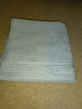 Threshold Forgotten Sage Hand Towel  13'' x 13'' --- new with tag. image 7