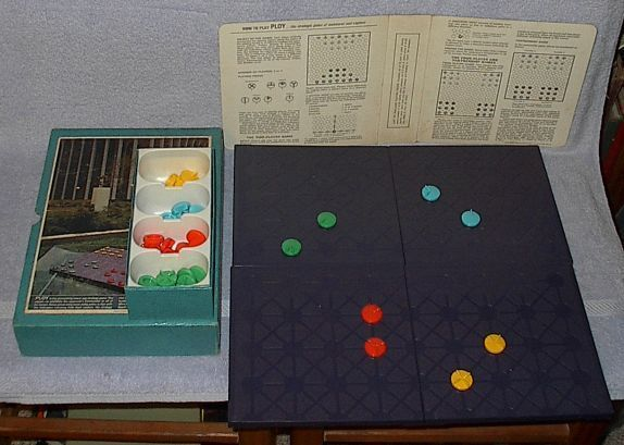 3M Book Shelve Game of Ploy Strategic Maneuver and Capture 1970
