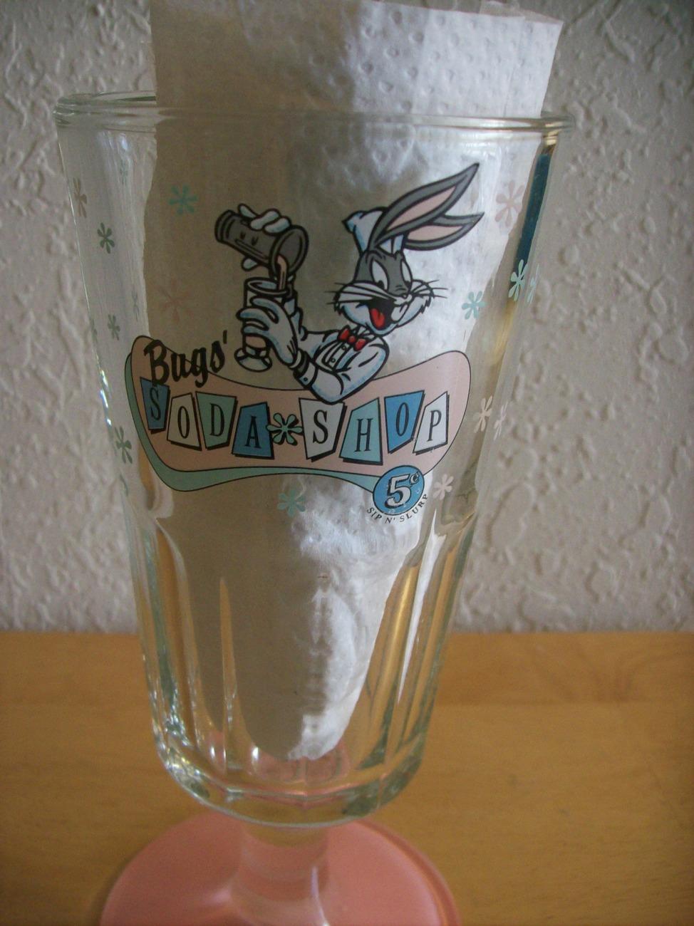 1994 Looney Tunes Bugs Bunny Soda Shop Malt Glass  image 3