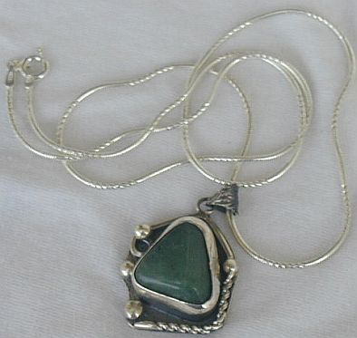 Green agate pendant PL1