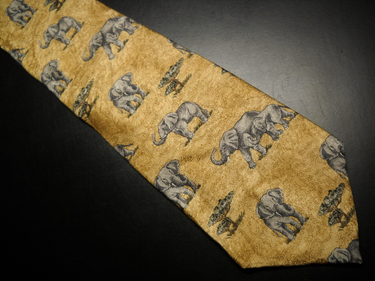 Tie endangered species elephants gray against yellows 02