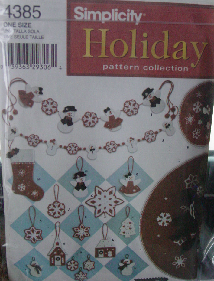 Pattern 4385 Winter Holiday Ornaments and Tree Skirts