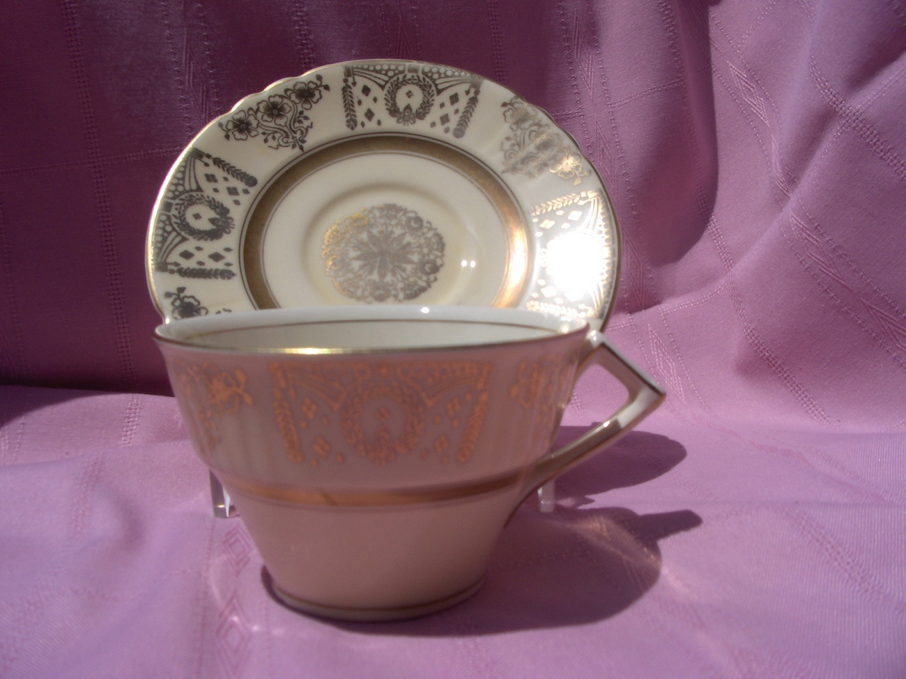 Myott Staffordshire Gold Tea Cup Saucer Bold Beautiful