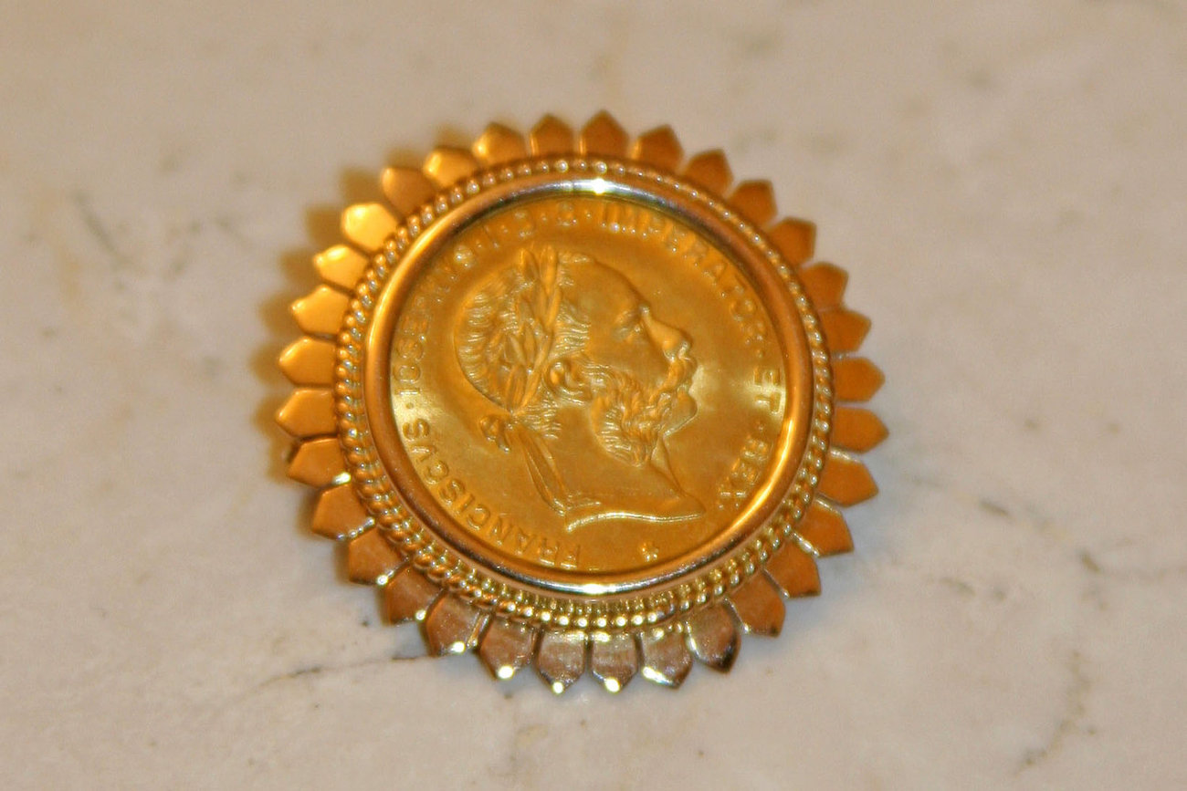 Austrian 4 Florins 10 Francs Gold Coin set in handcrafted 18K Solid Gold Brooch image 3