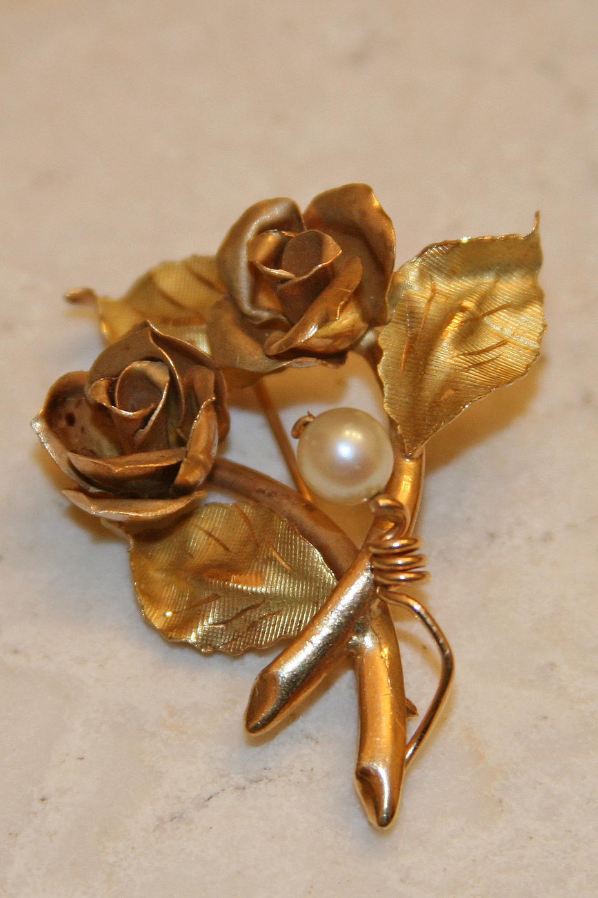 18K Solid Yellow Gold Flower Brooch, Made in Italy