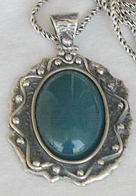 Green pendant pgb