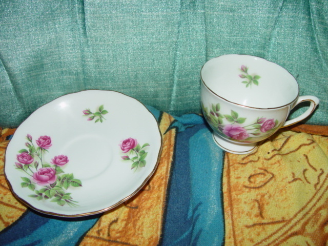Royal Vale Bone China Cup and Saucer Set  Made in England Pink Rose