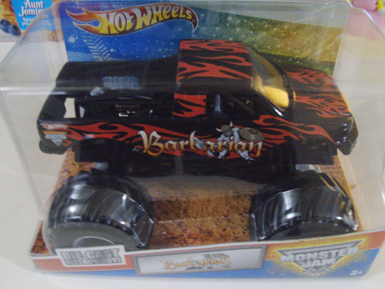 Hot Wheels Monster Jam Barbarian truck 1:24 scale - New