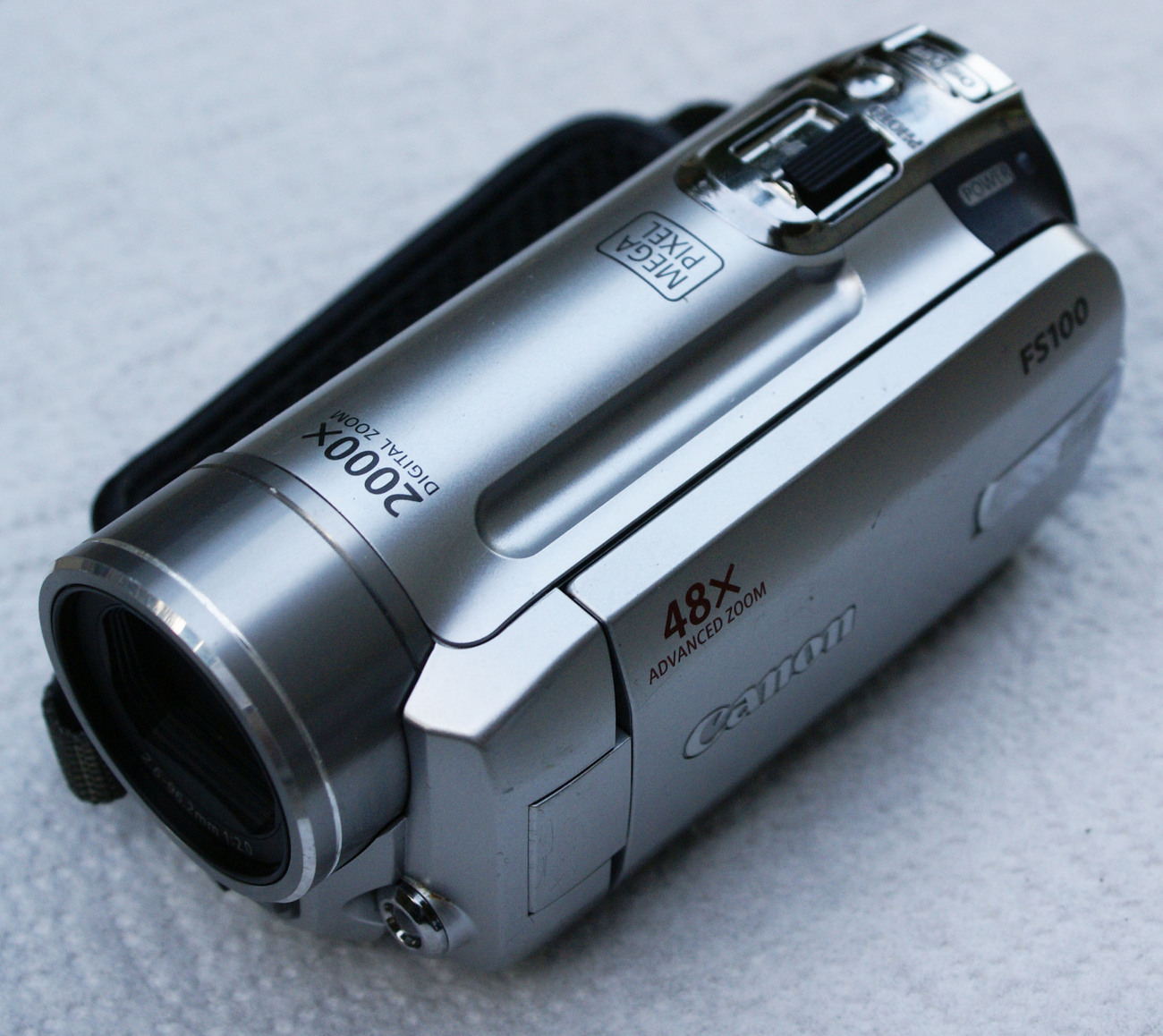 Canon Fs100 Camcorder Silver Charger Battery