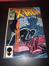Uncanny X-Men #196 NM Condition 1985 Original Marvel Comic Book Secret Wars - $4.49