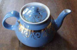 Vintage Hall Teapot Dresden Blue 8 Cup Gold Decoration USA Made Hall 026... - $46.74