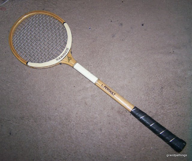 Antique vintage small tennis racket or squash racquet 001