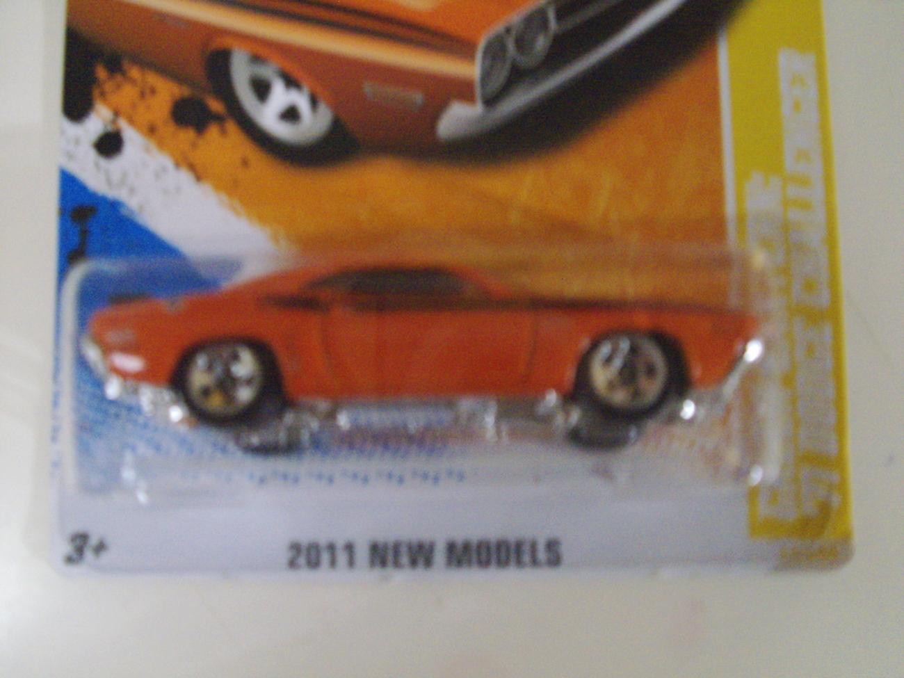 2011 New Models Hot Wheels Green Lantern '71 Dodge Challenger car - New