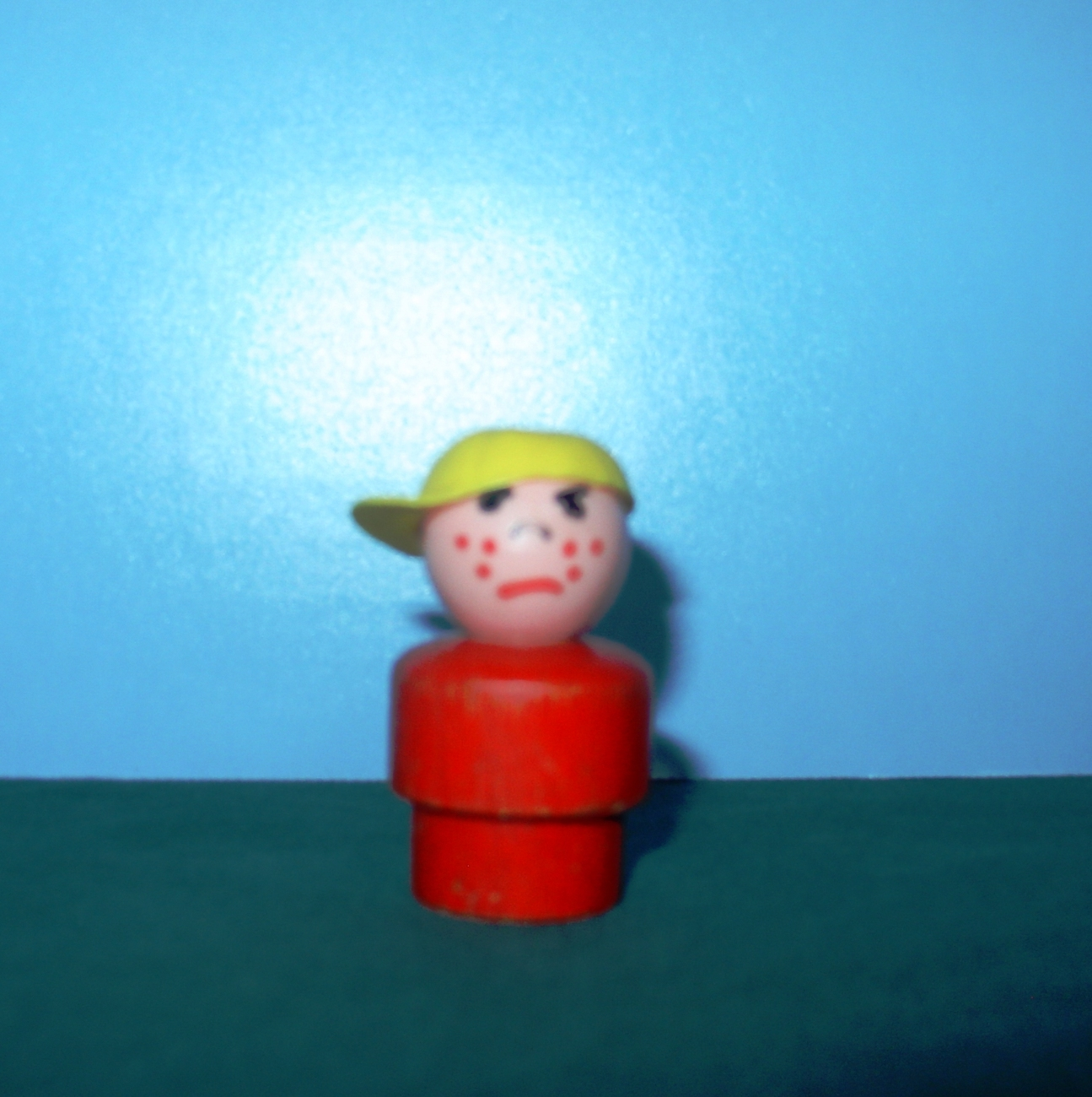VINTAGE FISHER PRICE LITTLE PEOPLE W/P RED BODIED BULLY BOY!