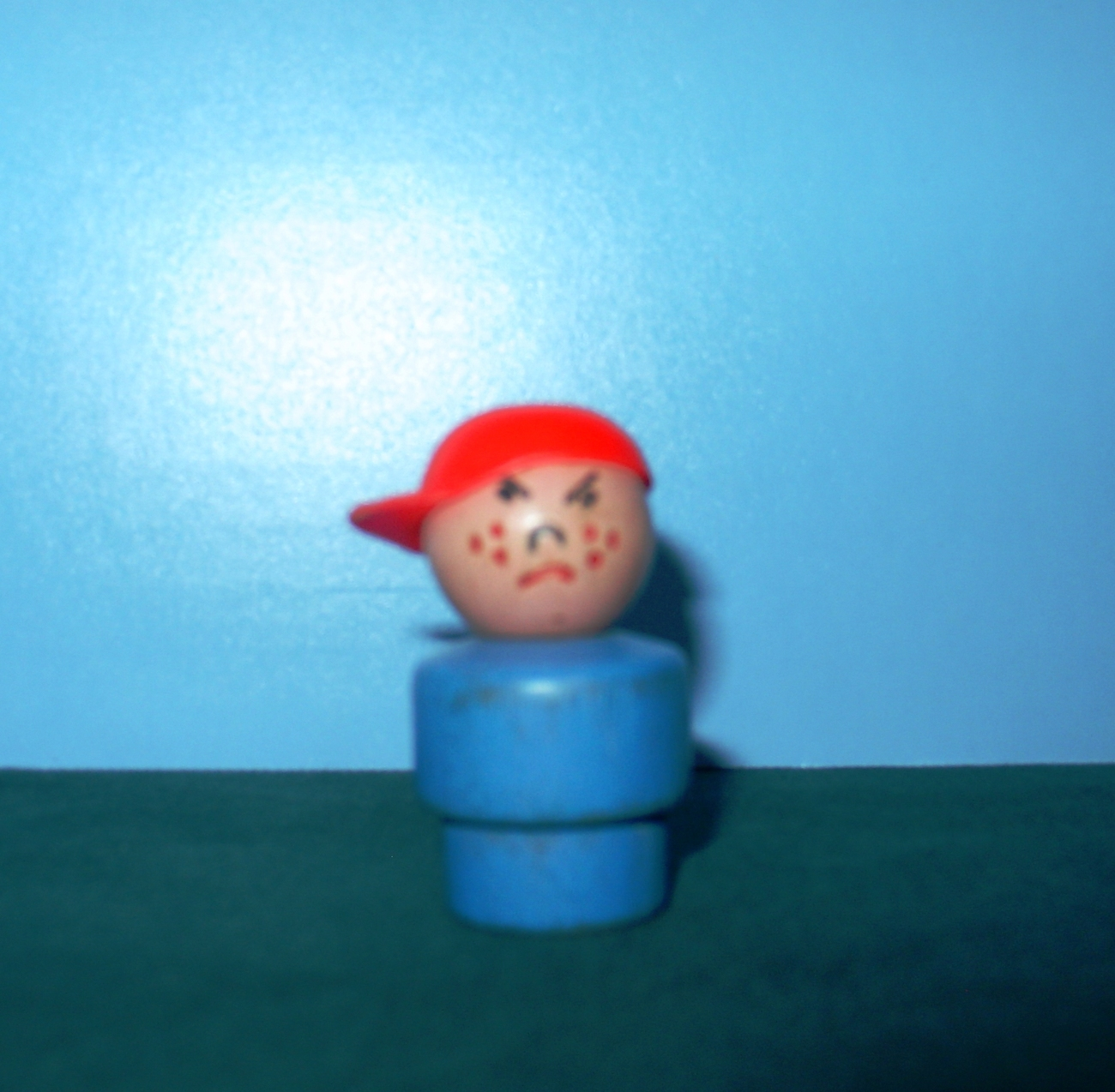 VTG FISHER PRICE LITTLE PEOPLE SCHOOL BUS BULLY W/RED CAP