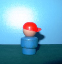 VTG FISHER PRICE LITTLE PEOPLE SCHOOL BUS BULLY W/RED CAP image 2