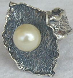 White pearl ring B
