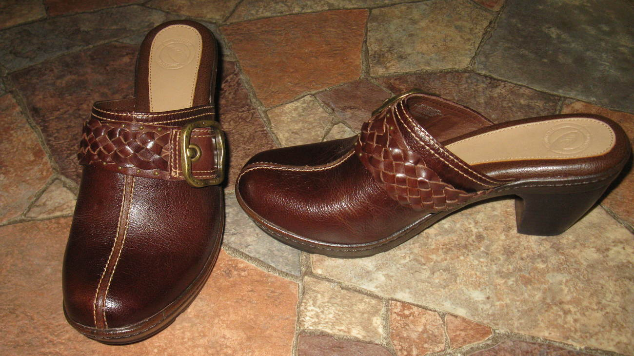 Shoes Women Brown Nuture Mules 3 Inch Heel New Size 7 M