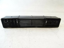 94 Jaguar XJS ac vent, center BEC2001LEG - $28.04