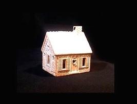 Porcelain Rabbit Creek Gingerbread House (1997) AB 766 Vintage image 1