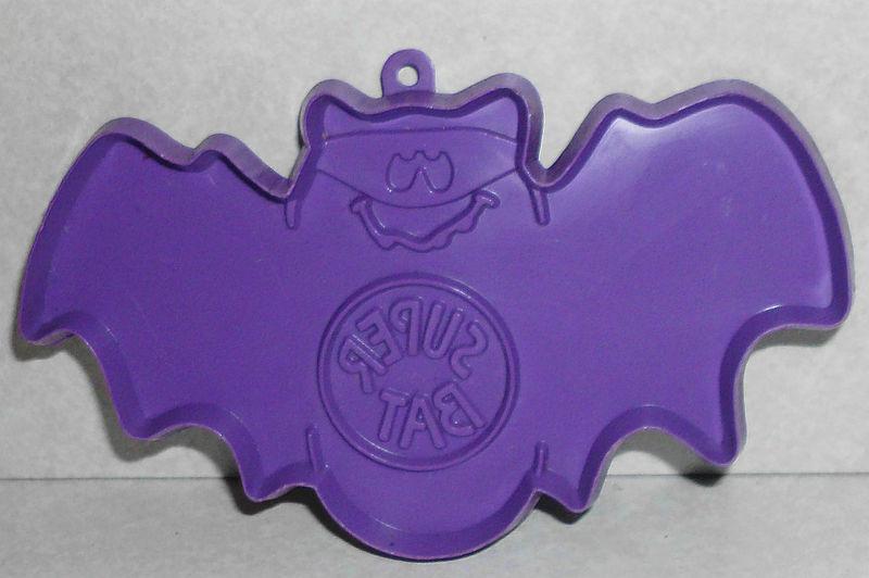 Vintage Hallmark Cards Super Bat Halloween Plastic Cookie Cutter 1980