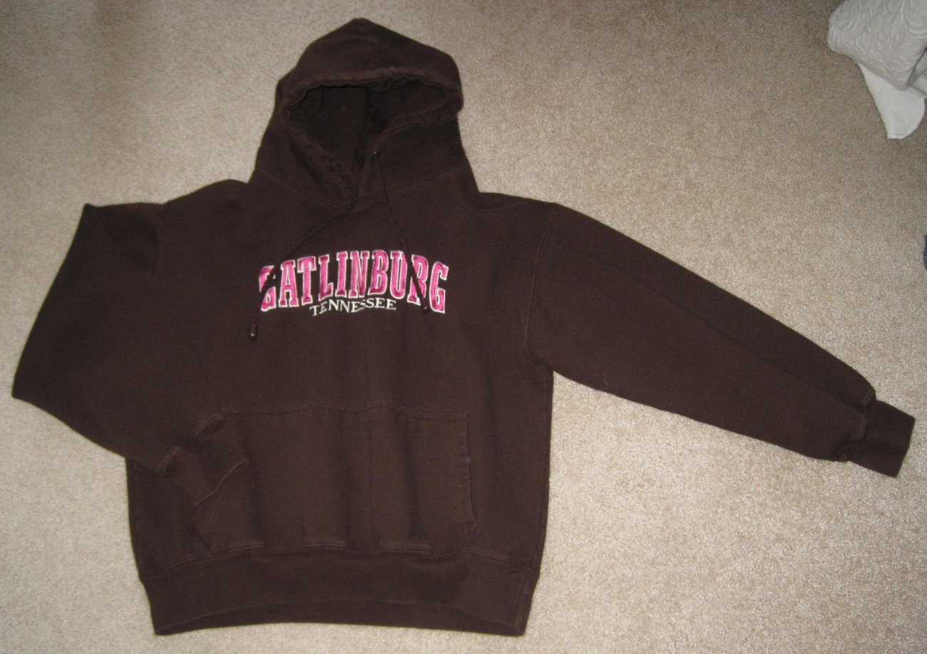 Gatlinburg Tennessee Brown Pink Hoodie Sweatshirt Women's Small FREE SHIPPING