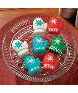 3 Mitten Shaped Muffin Cupcake Christmas Pan Set - $16.95
