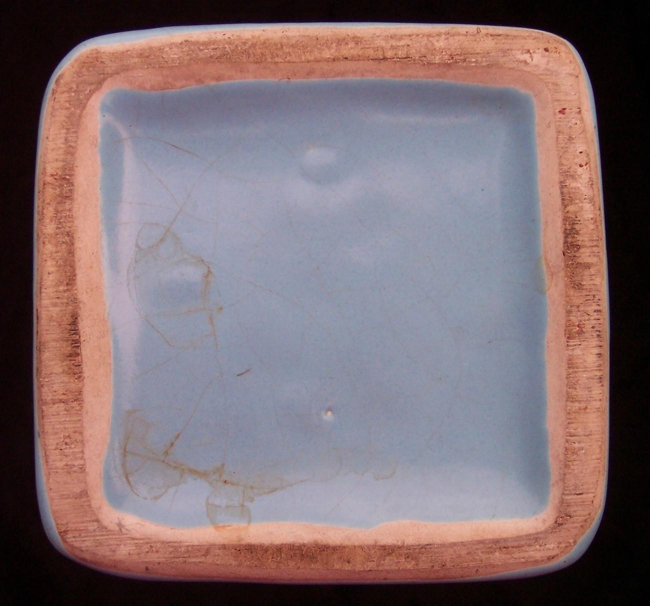 "Camark Modern Twist Vase Light Baby Blue Vintage Beautiful 12-1/2"" Tall Gladiola"