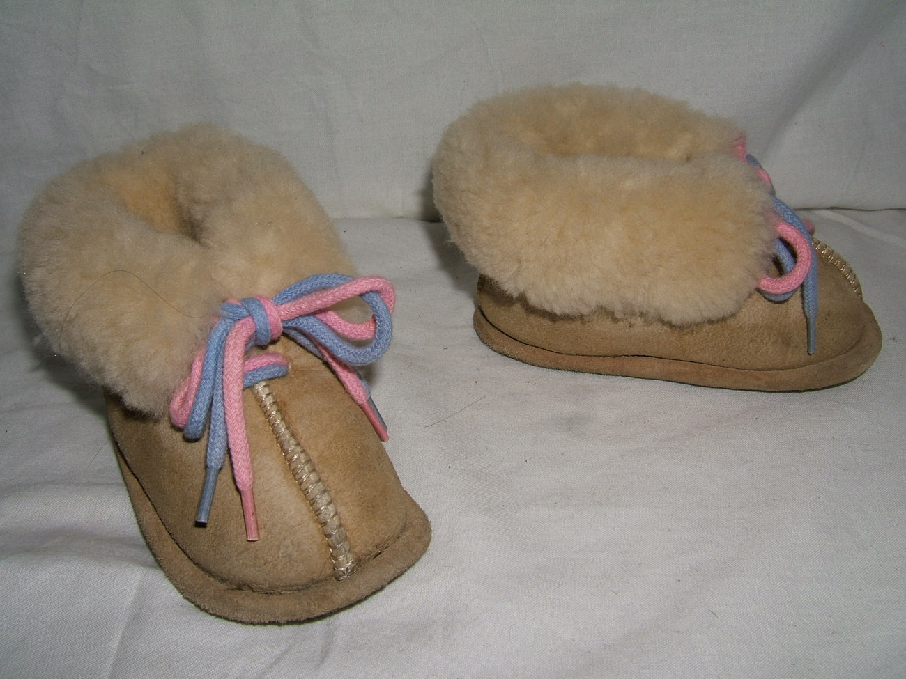 Primary image for BABY BOY OR GIRL BEIGE LEATHER SHEEPSKIN SHEARLING BOOTIES SLIPPERS--2 3 4 5