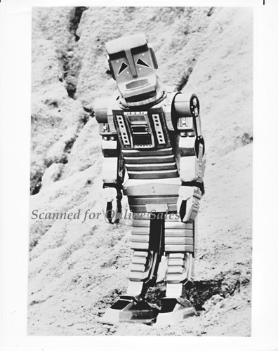 Hitchhiker Guide to the Galaxy TV A543 Robot 8x10 Photo