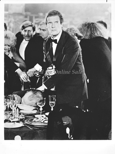 James Bond 007 Roger Moore Spy Who Loved Me 8x10 Photo