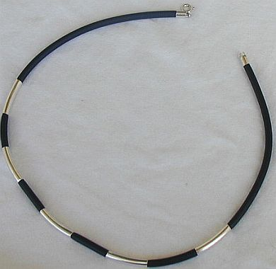 Black caucciu necklace with silver links  unisex