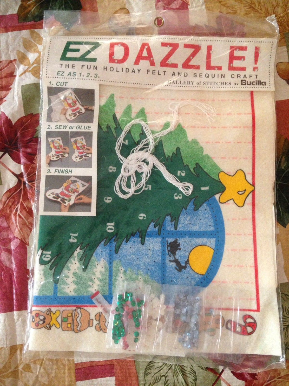 VINTAGE Bucilla EZ DAZZLE Christmas Tree With Ornaments Felt Sequin Craft Sealed - $14.99