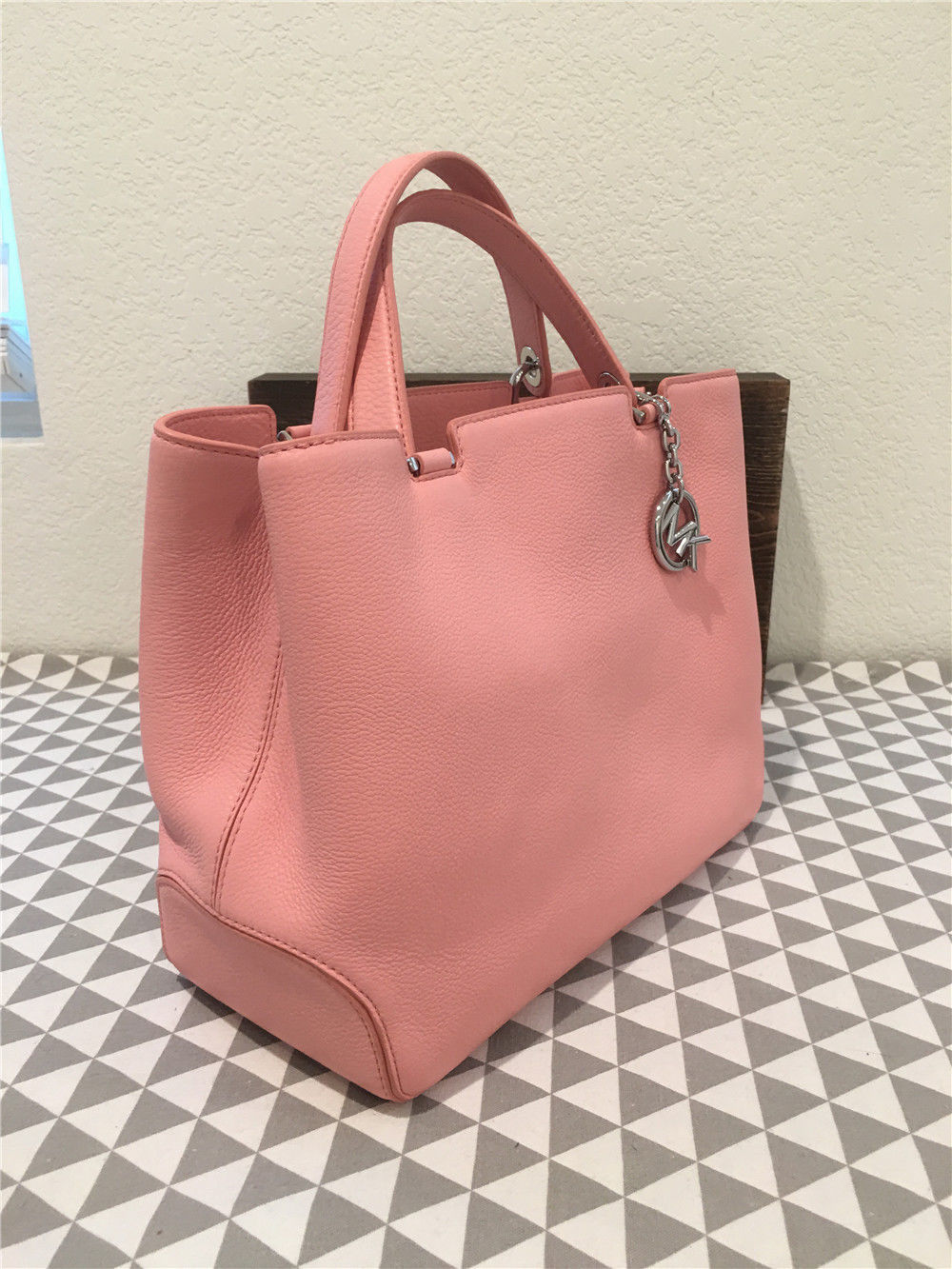 a76e20ff698e MICHAEL Michael Kors Anabelle Large Leather Tote in Pale Pink 30s6sapt3l