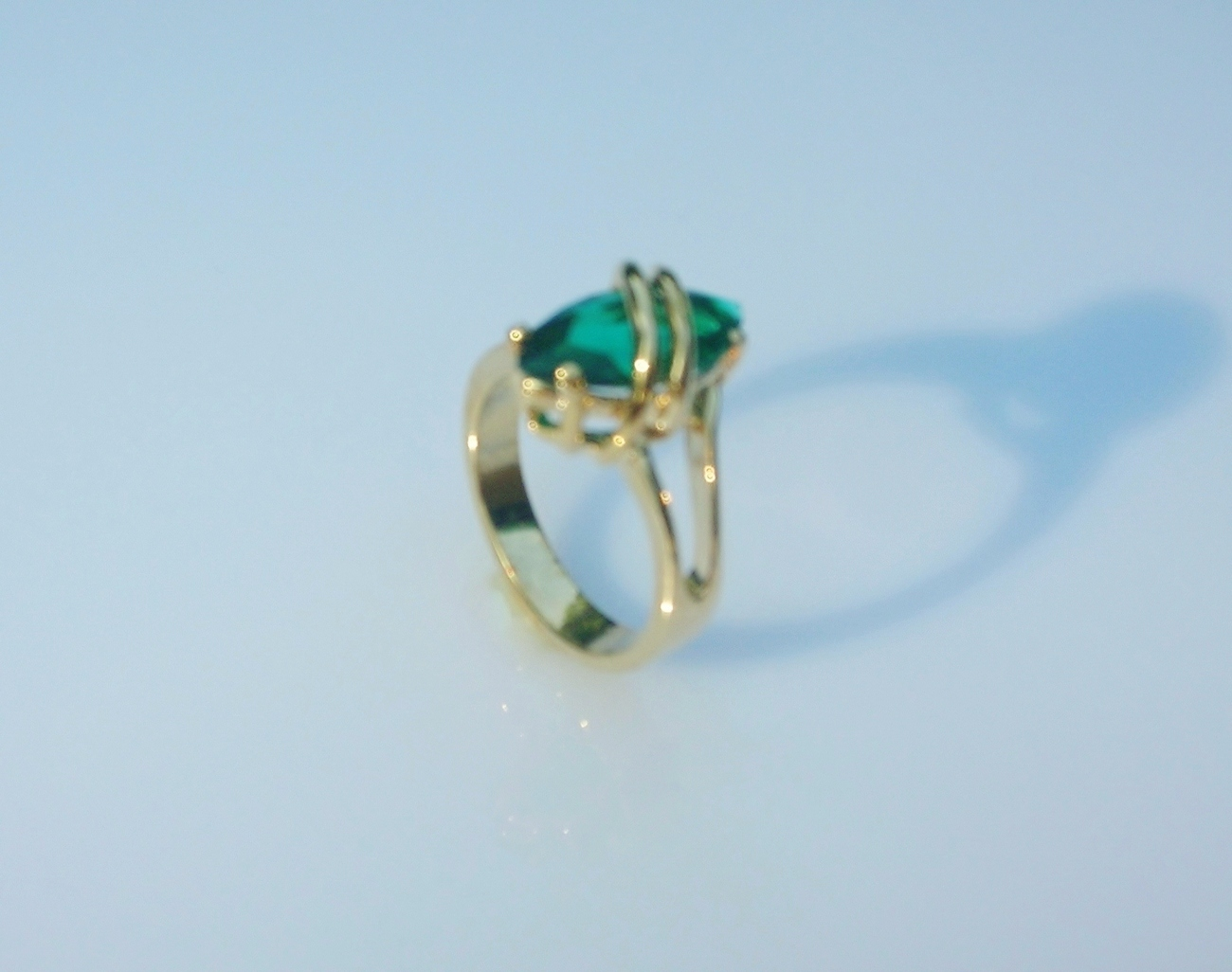 Fashion Ring Tropical Teal Cubic Zirconia Ladies  Size 5