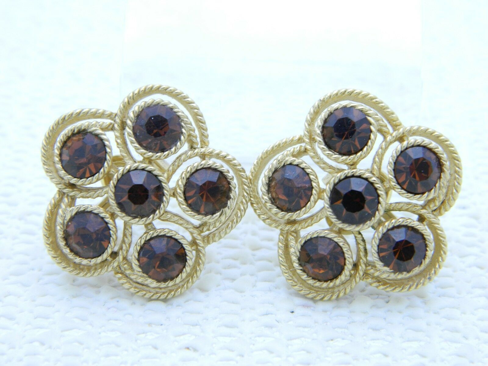 VTG RARE CROWN TRIFARI Gold Tone Topaz Rhinestone Flower Clip Earrings
