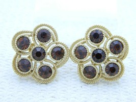 VTG RARE CROWN TRIFARI Gold Tone Topaz Rhinestone Flower Clip Earrings - $49.50