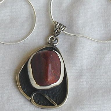 Dark red pendant B