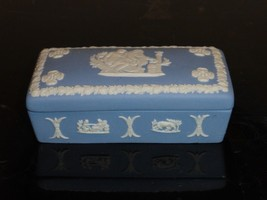 Vintage Wedgwood Jasperware White And Blue Rectangular Trinket Box - $29.00