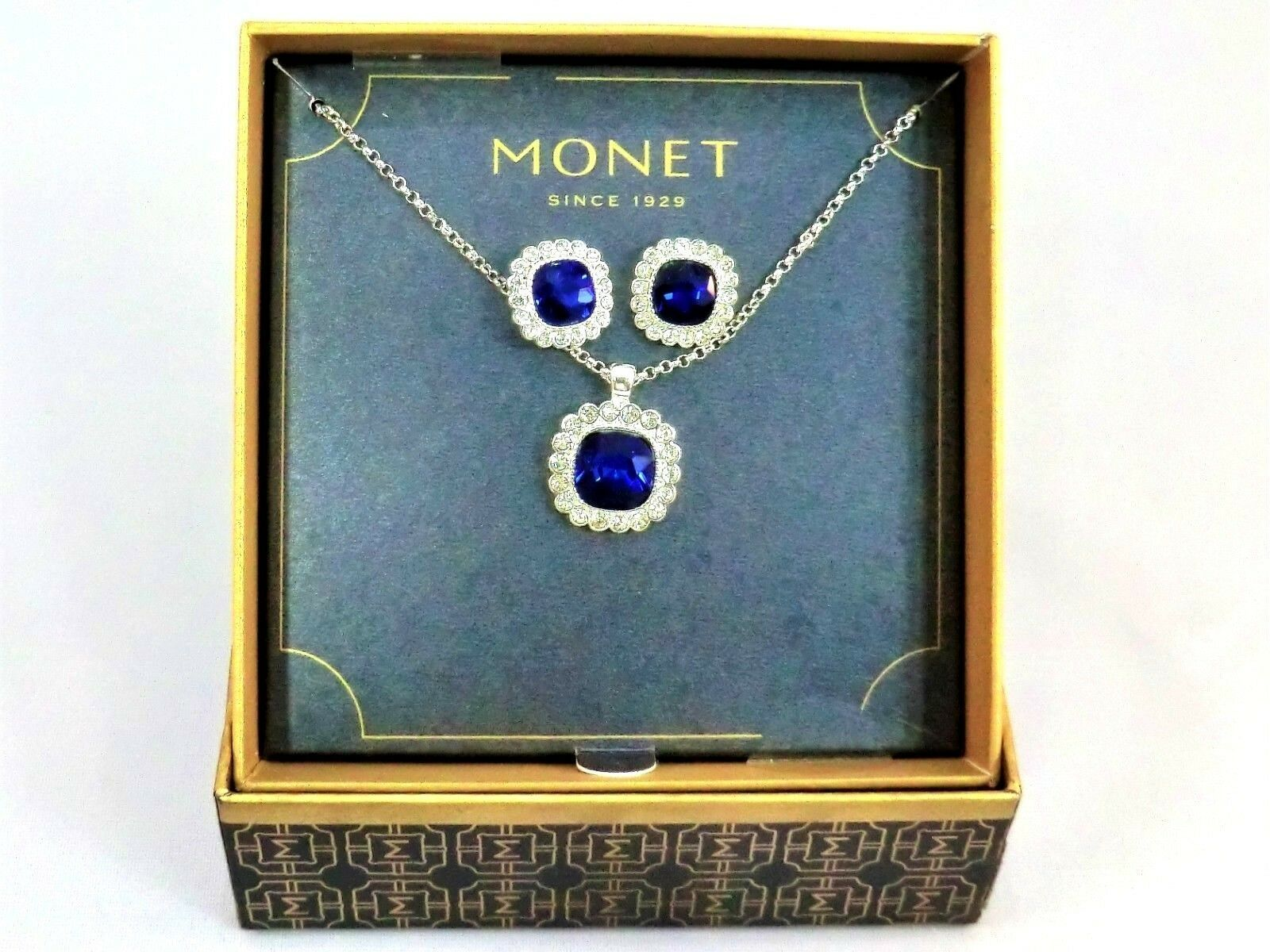 Vintage Monet earrings & necklace costume jewelry box set new & unused